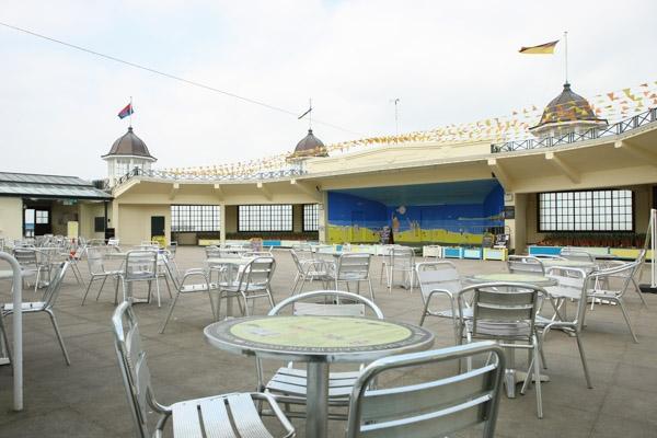 makcaris-hernebay-bandstand-24
